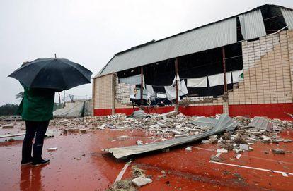 A tornado ripped through the local sports center in Dénia, Alicante.