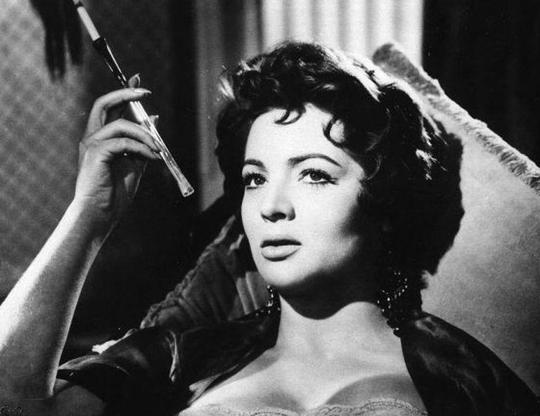 Sara Montiel in 'El último cuplé' (1957), directed by Juan de Orduña.
