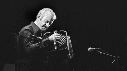 Astor Piazzolla performing in Paris in 1977.