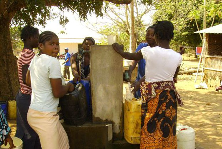 A project to provide drinking water to people in rural Mozambique, by Engineering Without Borders.