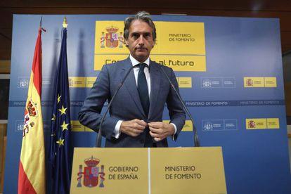 Public Works minister Íñigo de la Serna during a press conference on Thursday afternoon.