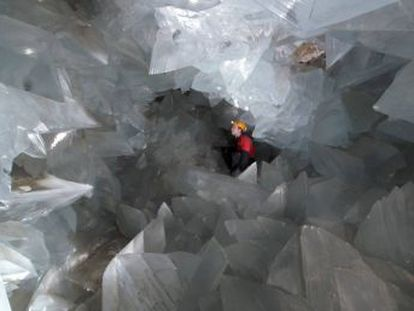 Reduced groups of visitors will be able to view the giant gypsum crystals that were discovered 20 years ago in Pulpí, Almería