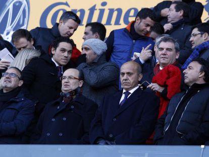 José María del Nido (second left in front row) at Sevilla's La Liga match against Granada last weekend.