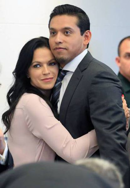 Iván Aguilera and his wife Simona at the hearing.