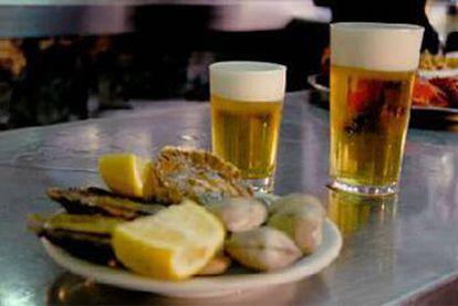 Beers in El Cantábrico in Madrid.