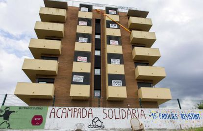 The apartment block occupied by the Mortgage Victims Platform in Salt.
