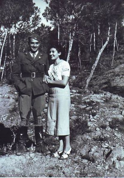 The soldier who may have been the photographer, next to Maria Fabregat.