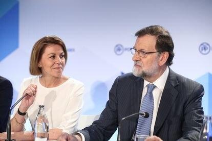 Former PP party secretary general María Dolores de Cospedal and ex-PM Mariano Rajoy in June 2018.