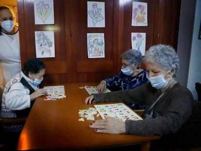 Residents in the Gravi senior home in Polinyà, Barcelona, on Saturday.