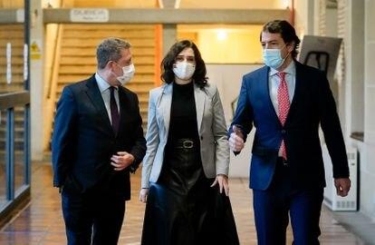 (l-r) Castilla-La Mancha premier Emiliano García-Page, Madrid premier Isabel Díaz Ayuso and Castilla y León premier Alfonso Fernández Mañueco on Wednesday.