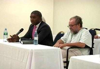Vladimir Kokorev (right) at his extradition hearing in Panama.