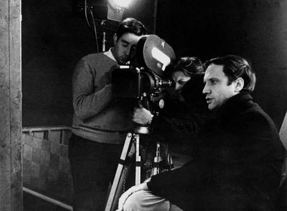 Pere Portabella (right) in 1968 during the shooting of Nocturn 29.