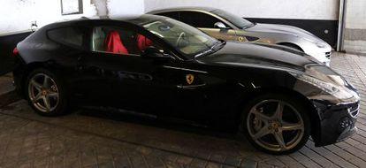 The two Ferraris going under the hammer.
