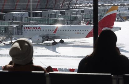 Madrid Barajas-Adolfo Suárez airport was forced to close due to the heavy snowfall.