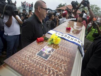 Miss Honduras, who was found dead last Wednesday, is laid to rest.