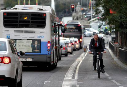 Madrid City Hall wants major roads redesigned to become more bike friendly.
