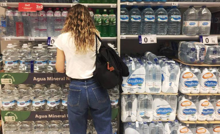 Plastic water bottles in a Madrid supermarket.