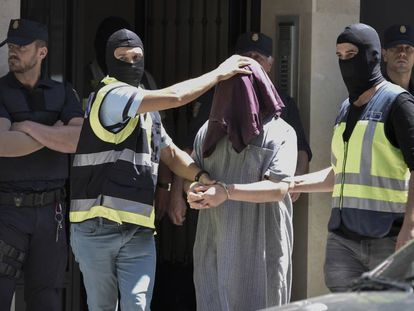 Spanish police arrest a suspected Jihadist in Valencia earlier this year.