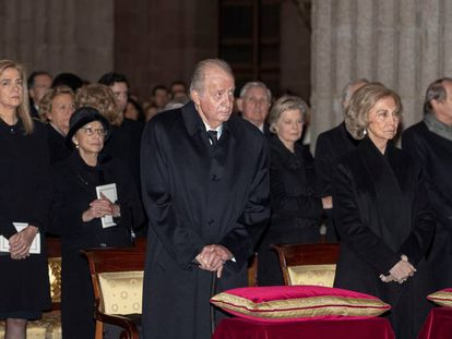 Emeritus monarchs Juan Carlos and Doña Sofía at a funeral in February.