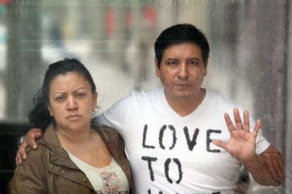 Carlos Napoleón Amancha Silva and his wife are close to being evicted from their home in the Madrid dormitory town of Getafe.