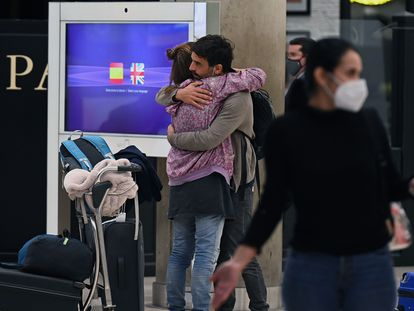 Passengers arriving in Madrid's Barajas airport on Monday.