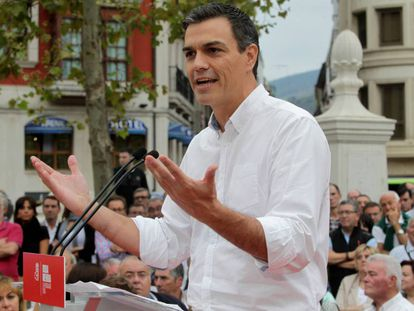 Socialist leader Pedro Sánchez at a party rally in Bilbao.