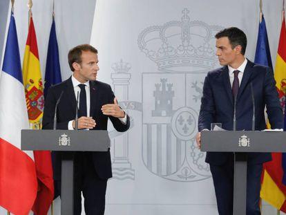 French President Emmanuel Macron and Pedro Sánchez.