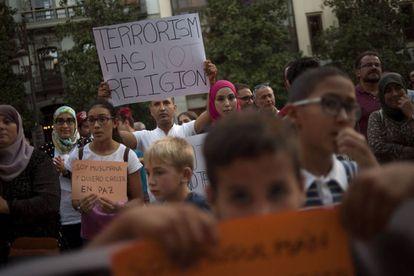 Muslims in Granada protest last week's attacks.