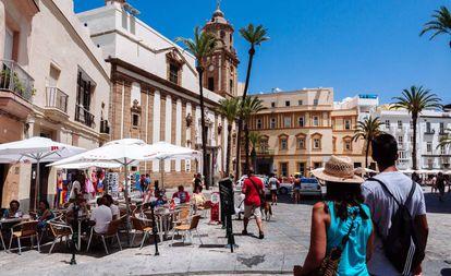 Cathedral square in Cádiz.