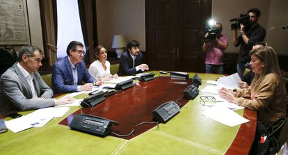 Toni Cantó (left) of Ciudadanos has put corruption at the top of his party's agenda.