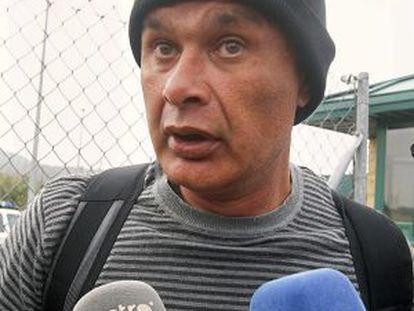 José Franco de la Cruz, alias El Boca, speaks to reporters on leaving jail in April.