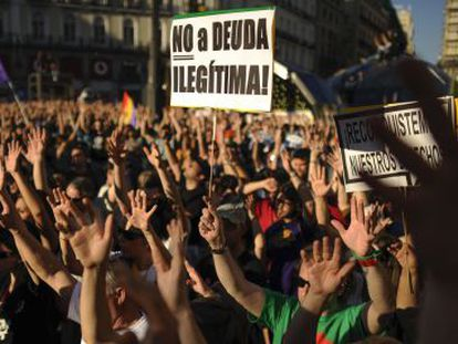 Spain's 'indignant' protesters demonstrate at the Puerta del Sol square in Madrid on May 12, 2013, to decry economic injustice in a show of strength two years after their birth shook the political establishment.