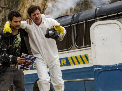 Characters Walter Blanco and José Miguel Rosas, in the Spanish-language remake of 'Breaking Bad.'