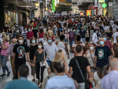 Crowds of people on Preciados street in Madrid on September 5.