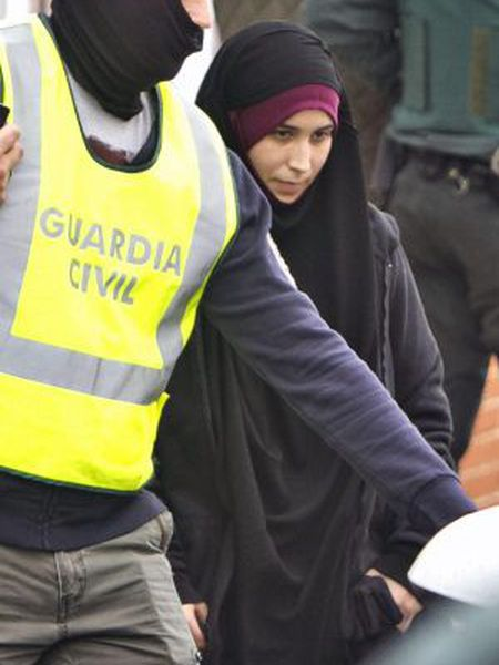 The young woman was arrested in Madrid before boarding a plane to Turkey.