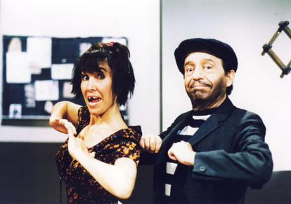Florinda Meza and Roberto Gómez Bolaños during one of their skits in the 1990s.