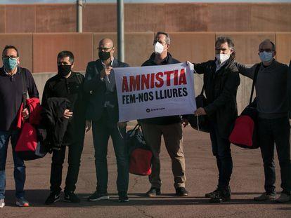 Josep Rull, Jordi Sànchez, Raül Romeva, Joaquim Forn, Jordi Cuixart, Jordi Turull and Oriol Junqueras walking out of prison on Friday.