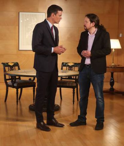 Pedro Sánchez and Pablo Iglesias at their meeting last week.