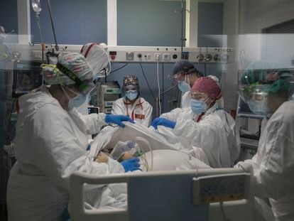 The intensive care unit at Mar Hospital in Barcelona in February.