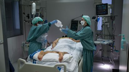 An intensive care patient in a hospital in Barcelona.