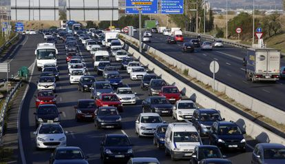 Gridlock on one of Madrid's exit roads at the start of a long weekend.