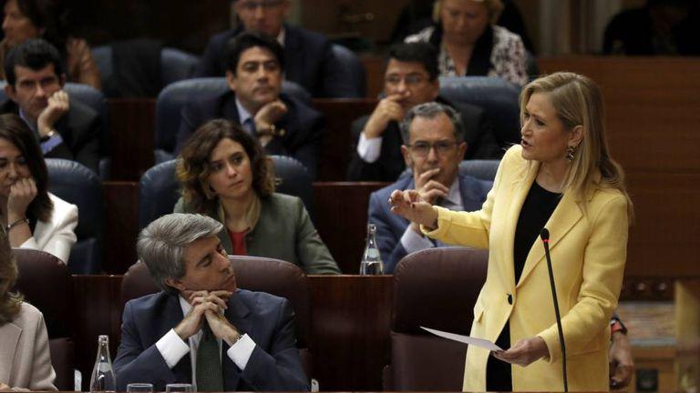 Madrid Premier Cristina Cifuentes (right).