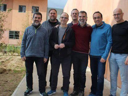 (l-r) Catalan independence leaders Jordi Sànchez, Oriol Junqueras, Jordi Turull, Joaquim Forn, Jordi Cuixart, Josep Rull and Raül Romeva.