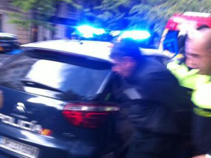 A photograph of the arrested man outside Bárcenas' home.