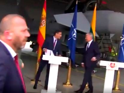 The moment when a joint press conference by Spain and Lithuania's leaders gets interrupted.