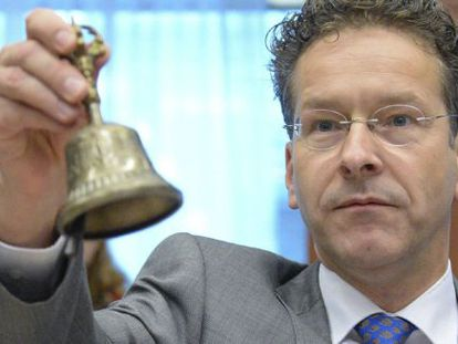 Jeroen Dijsselbloem has been re-elected to a second term as Eurogroup chief.