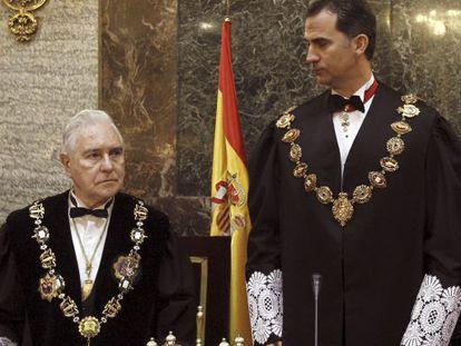 Prince Felipe and Chief Justice Carlos Dívar at Monday's ceremony.