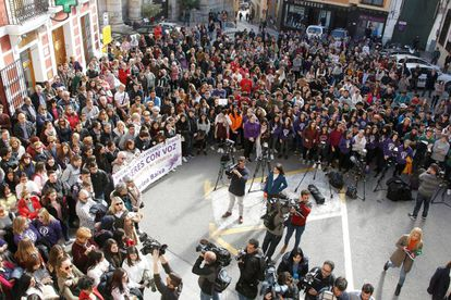 Demonstration against the sexual assault outside Callosa d'En Sarrià town hall.