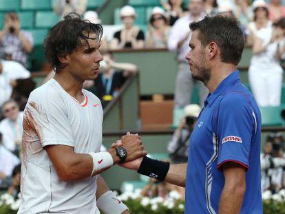 Rafael Nadal shakes hand with Stanislas Wawrinka after their match.