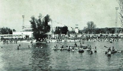 "Madrileños enjoying their ""beach"" in 1934."